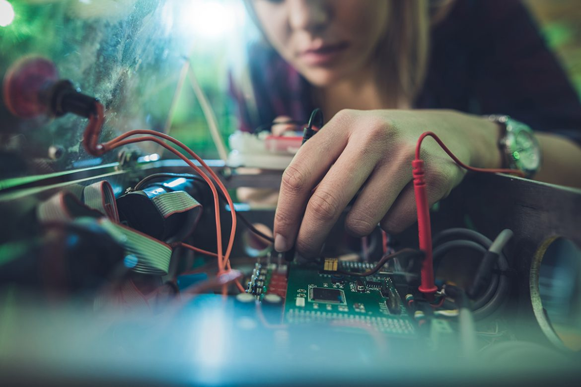 What Does Electronics And Telecommunication Engineer Do?