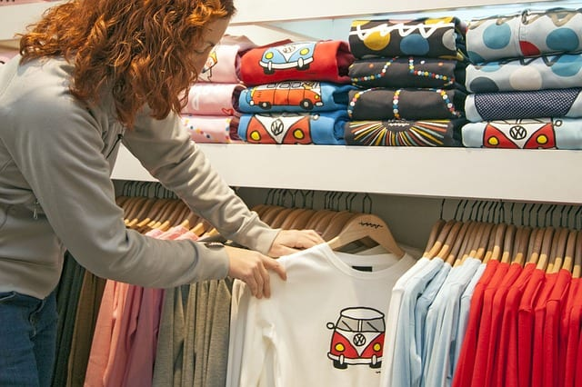 Types of Clothing That Can Be Designed Using Screen Printing
